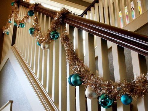 Christmas stairs decoration 6