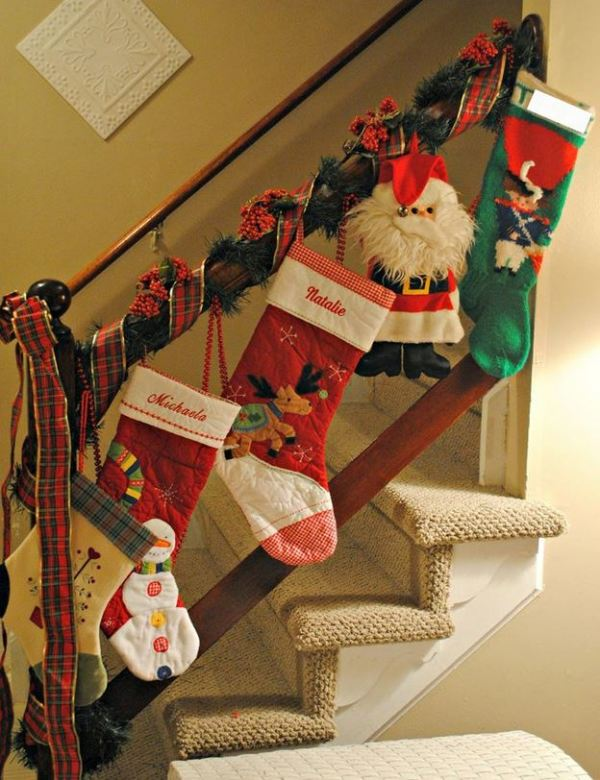 Christmas stairs decoration 5