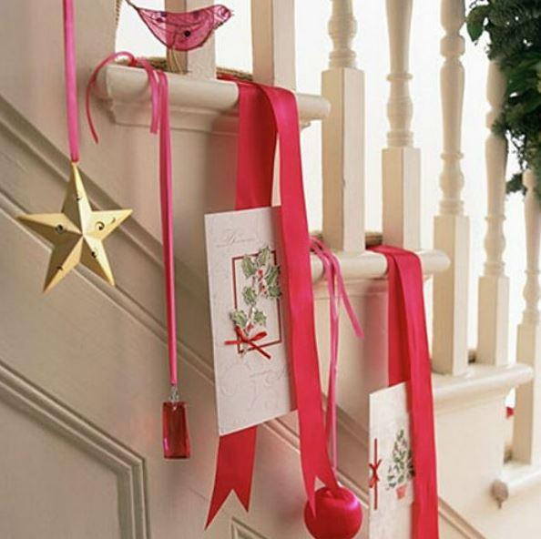 Christmas stairs decoration 4