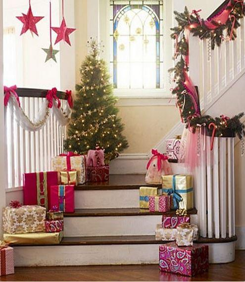 Christmas stairs decoration 9