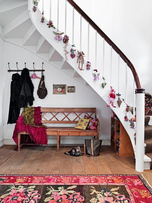 Christmas stairs decoration 7