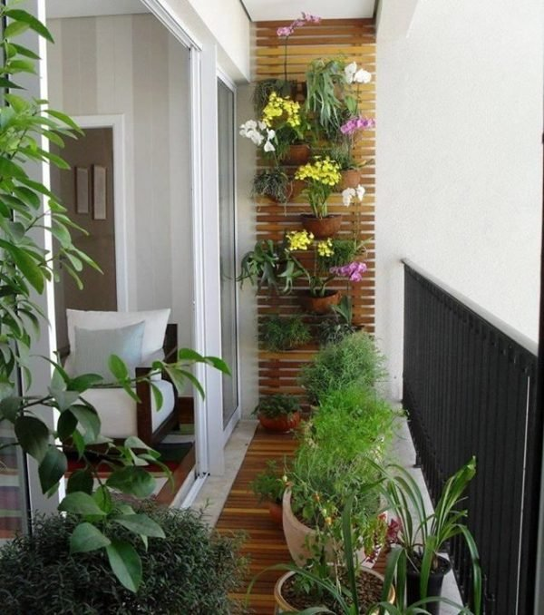 Diy balcony vertical garden ideas little piece of me for Balcony vertical garden