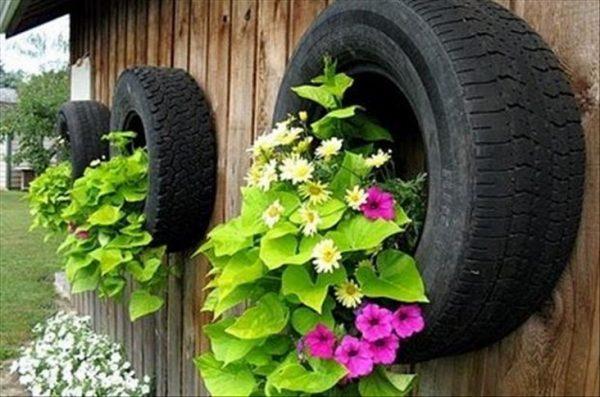 Как сделать с шин автомобиля цветник