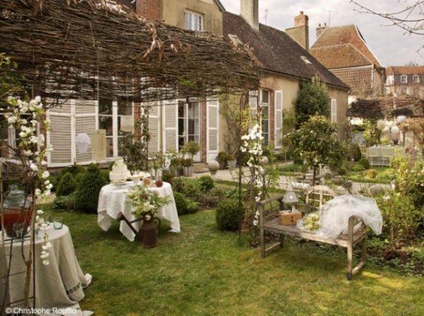 vintage garden decorating ideas 2