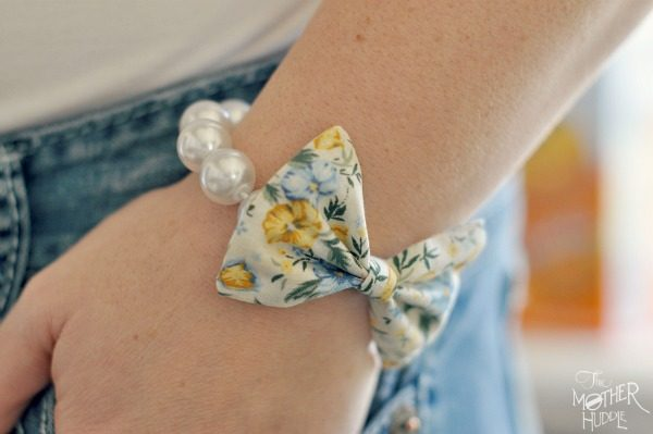 bow-and-pearl-bracelet-diy11