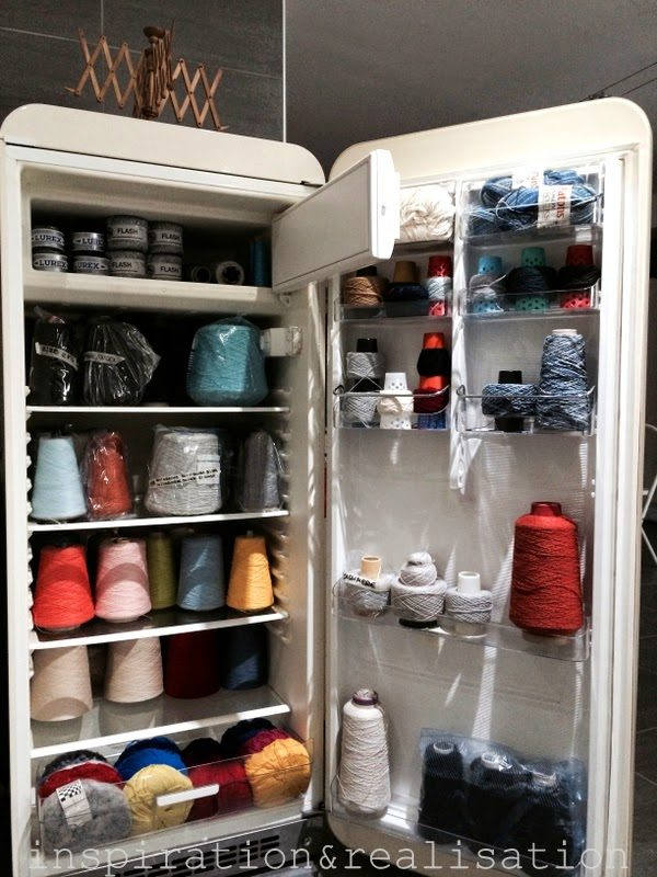 inspiration&realisation_diy_repurpose_old_refrigerator_smeg_yarn_organization11