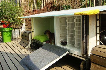 recycled-fridge-doghouse14