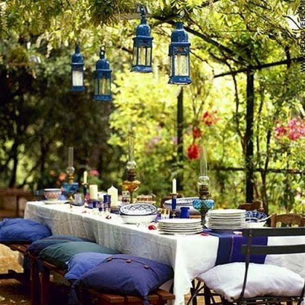 hanging outdoor lights