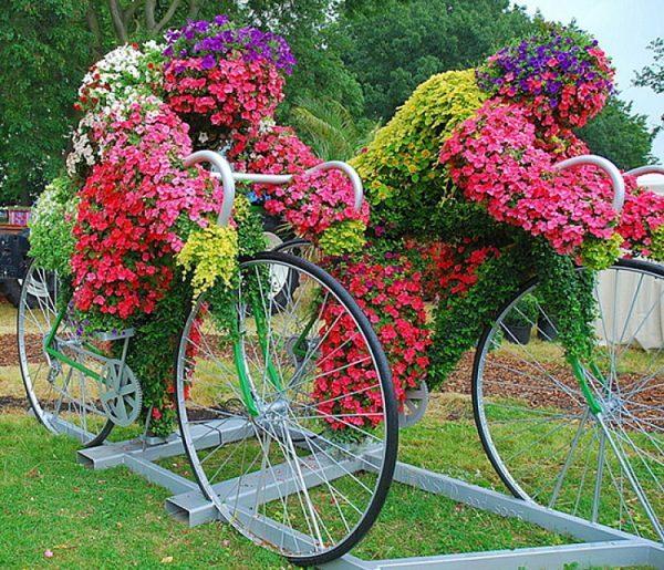 bicycle garden decor