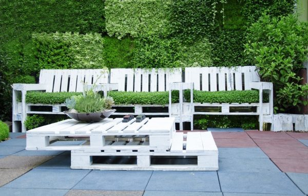 wooden pallet garden furniture