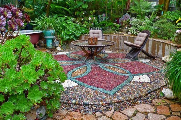 Mosaic ideas for the garden
