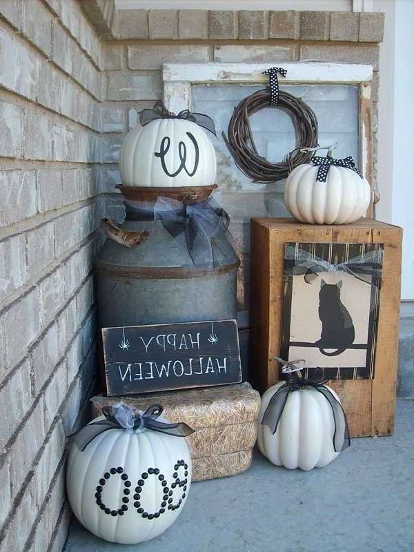 halloween outdoor decor