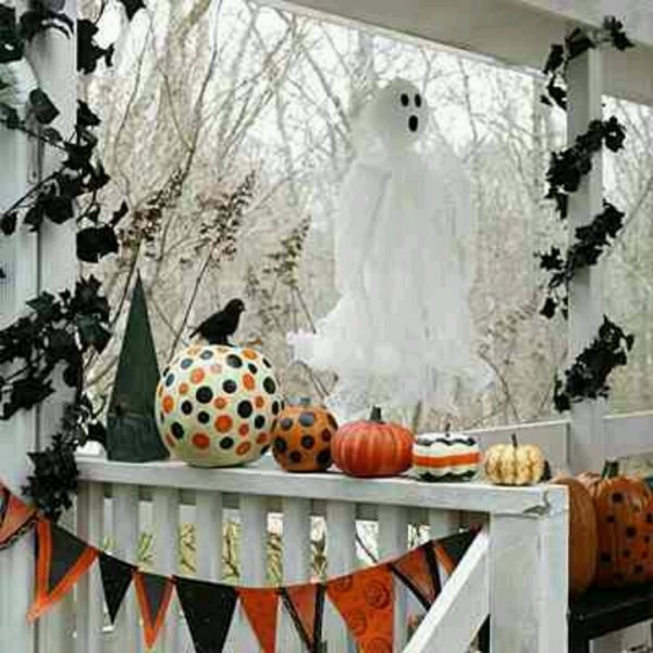Front porch halloween decoration ideas1