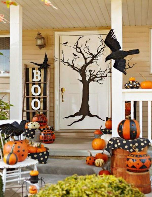 Front porch Halloween decoration ideas - Little Piece Of Me