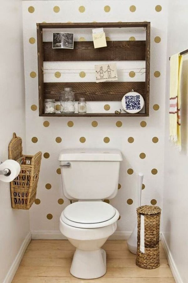 polka dot bathroom