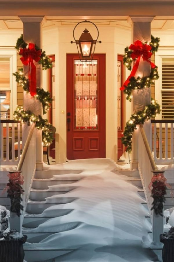 elegant outdoor christmas decor