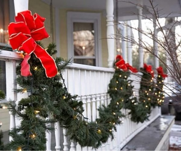 outdoors christmas decorations
