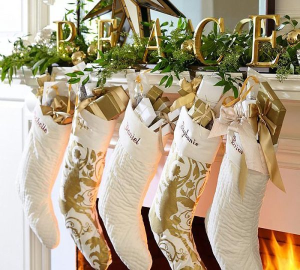 christmas mantels decorating
