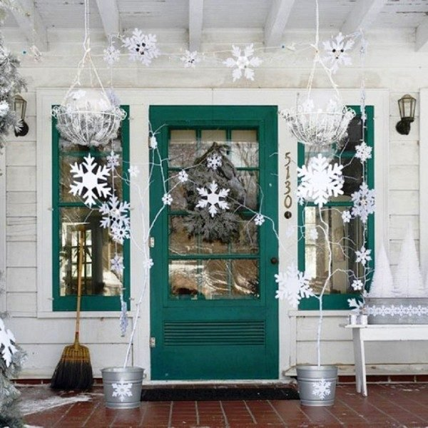 outdoor christmas decoration