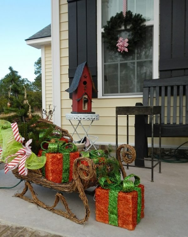 large outdoor christmas decor