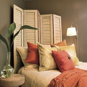 Using room dividers as headboards