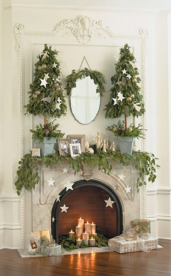 decorate mantel for christmas