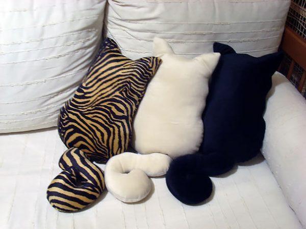 decorative cat pillows