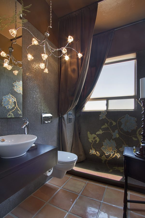 Chandelier in bathroom for luxury interior design1