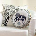 31 Pretty pillows for fresh home decor