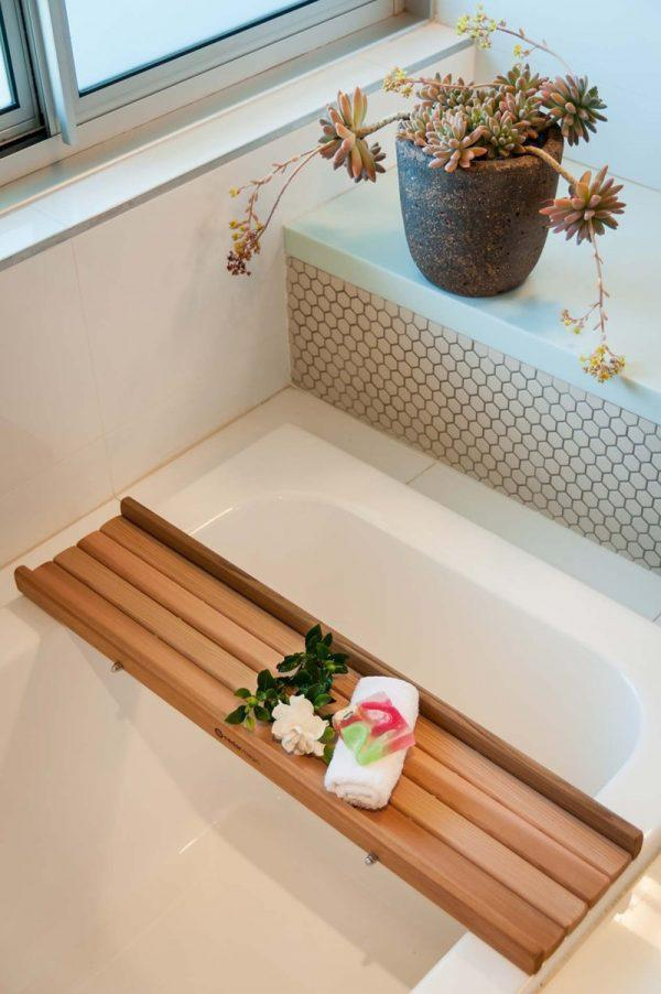 22 cool bathtub caddies for comfortable bathing
