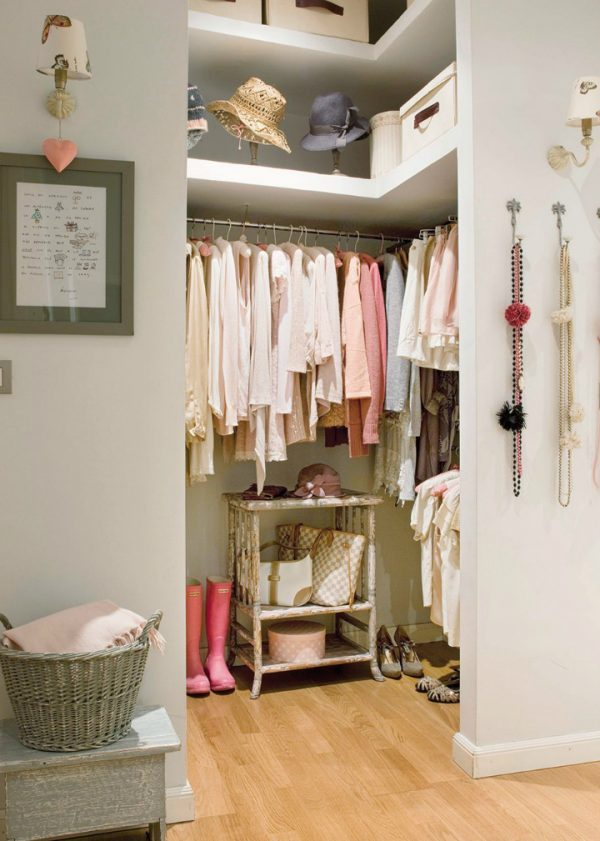 Feminine Dressing Room Design