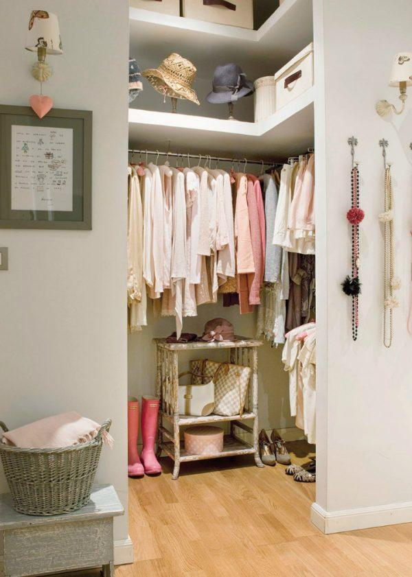 20 small dressing room ideas little piece of me - Decoratie dressing ...