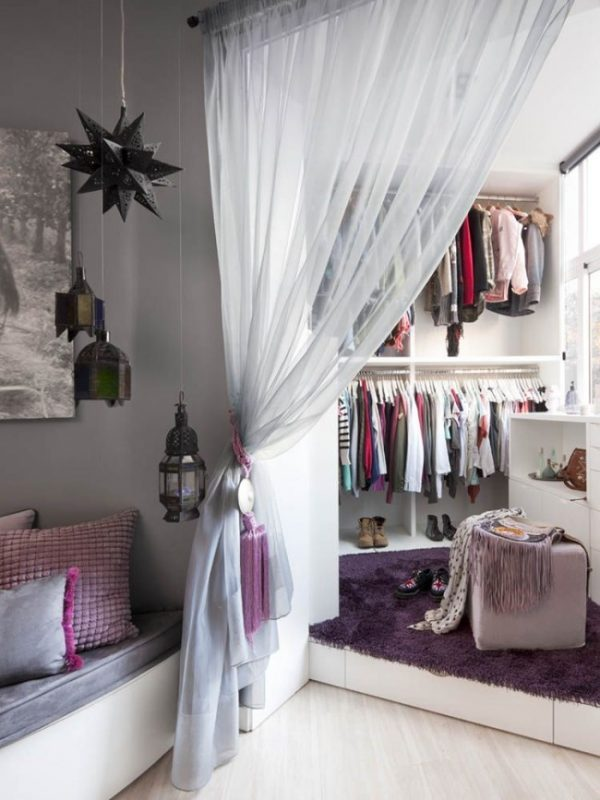 20 small dressing room ideas little piece of me for Dressing room accessories