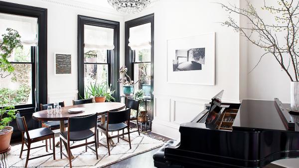 piano top decor