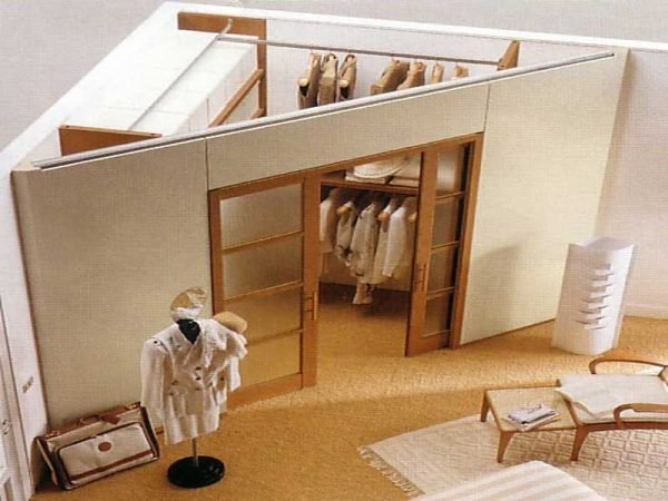 20 small dressing room ideas little piece of me - Armadio a cabina angolare ...