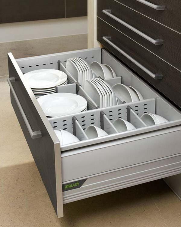 organize kitchen drawers