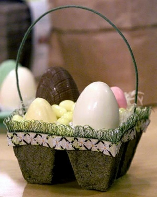 easter craft with egg cartons