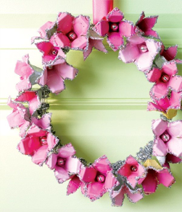 egg carton wreath craft