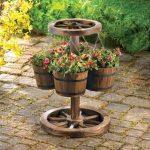 10 Wooden flower pots ideas
