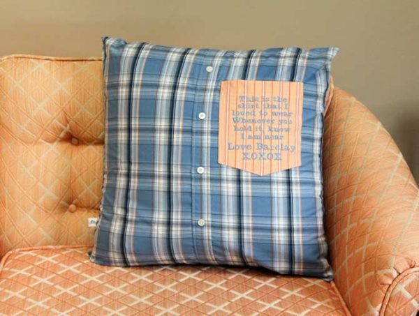 Make your own decorative pillows - LittlePieceOfMe