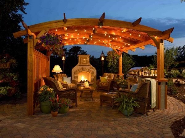 outdoor summer kitchen