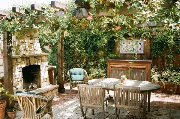 outdoor summer kitchens