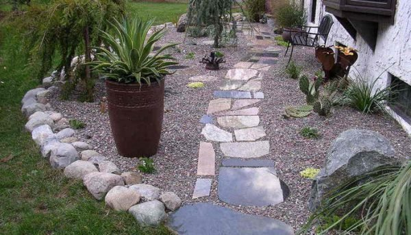 Garden decoration with stones