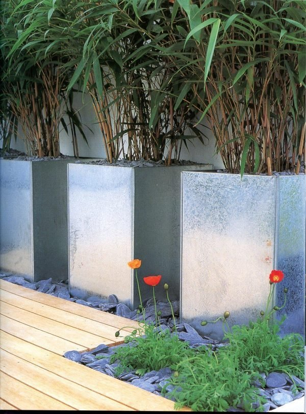 decorative outdoor stones