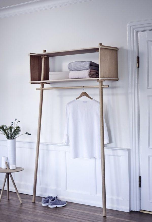 clothes hanging racks
