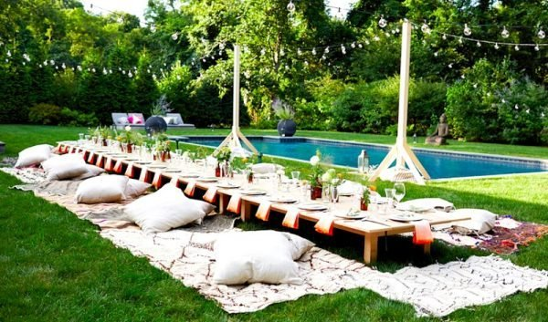 Cool pool party decor ideas little piece of me for Garden pool party
