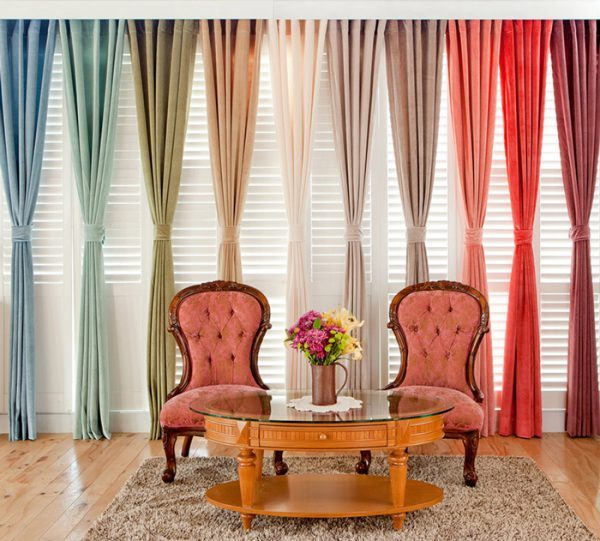 choosing curtains for living room