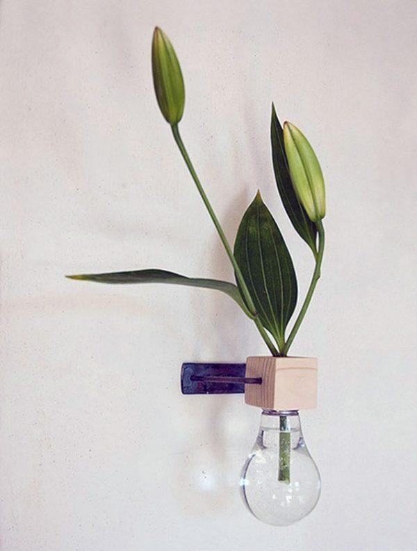 decorating-light-bulbs