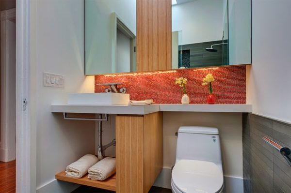 small-space-bathroom