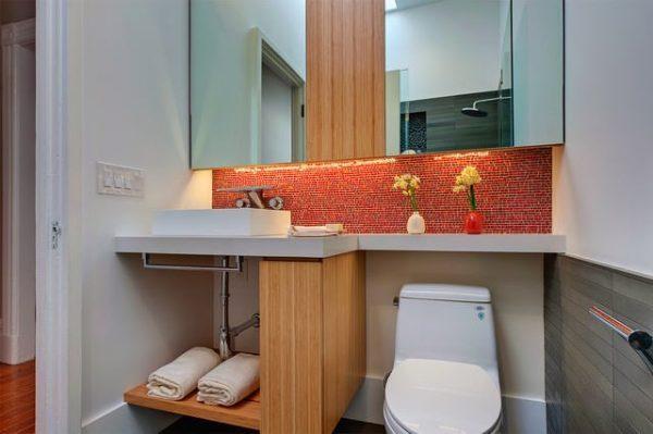 small-space-bathroom